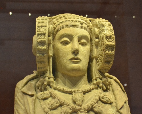 One of the museum's most famous pieces is the Lady of Elche, dating to the 4th century BC. It is believed to be a representation of Tanit, a goddess that was also worshiped by the Carthaginians and the Phoenicians. Both peoples greatly influenced Celtiberian culture through trade.