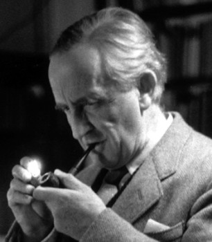 tolkien lighting pipe
