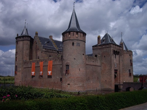 Muiderslot on a typically cloudy Dutch day.