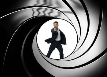 James Bond 007-small