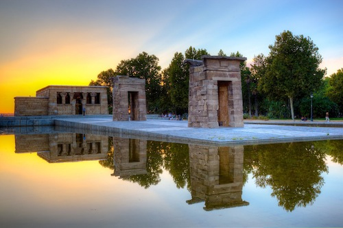 Templo de Debod in Madrid by flickr user jiuguangw