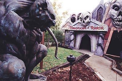 Fright Fest, Six Flags