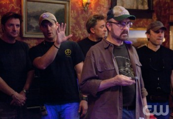 Supernatural's star, Jensen Ackles (hand raised), directs his first episode.