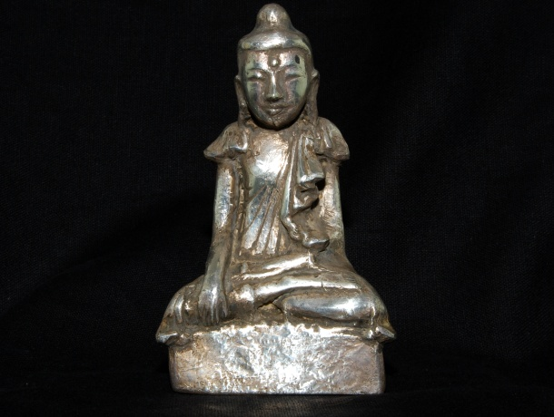 silver-buddha-full