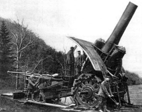 A photo of a Big Bertha howitzer from early in the war. Photo courtesy Wikimedia Commons.