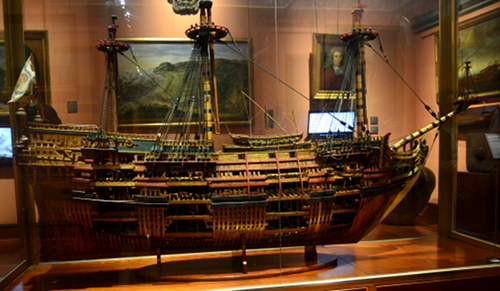 Several detailed ship's models illustrate the development of naval technology.
