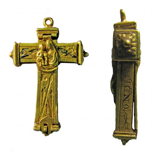 A closeup of the crucifix.