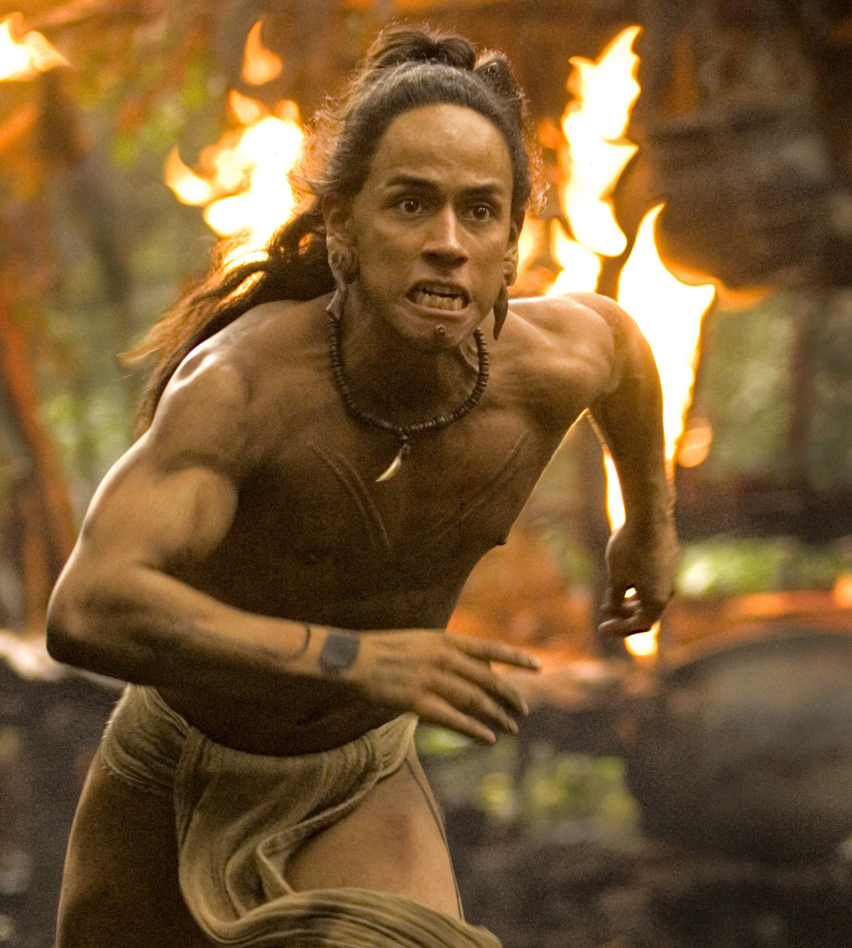 black gate articles belated movie review apocalypto apocalypto jaguar paw