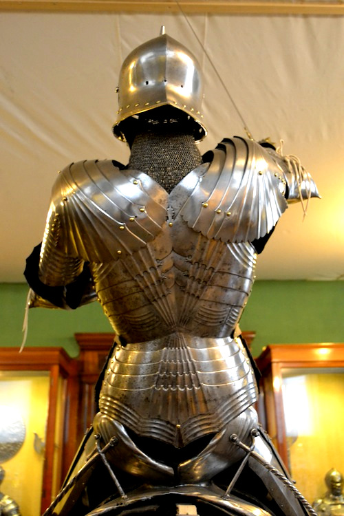 Back view of the same armor.