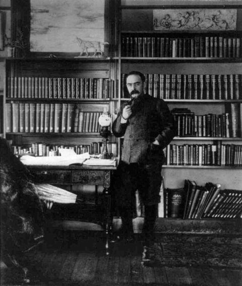 Kipling in his study at Naulaka-small