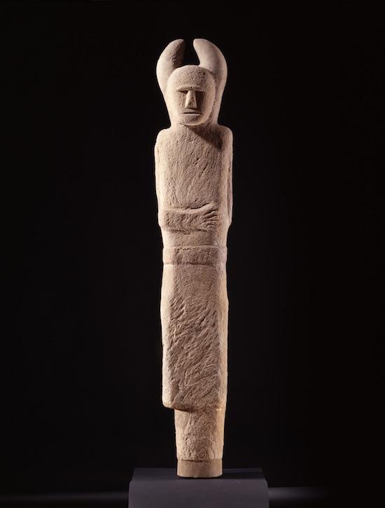 The Glauberg statue, Holzgerlingen, Baden-Wüttemberg, Germany 500 – 400 BC. Sandstone; H 2.30 m. Wüttembergisches Landesmuseum, Stuttgart.