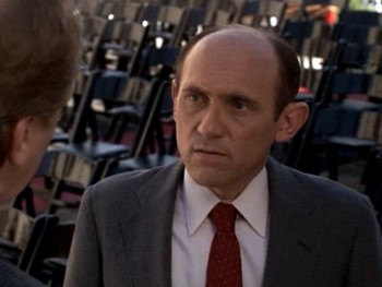 Buffy-the-Vampire-Slayer-Graduation-Day-part-1-Principal-Snyder-8