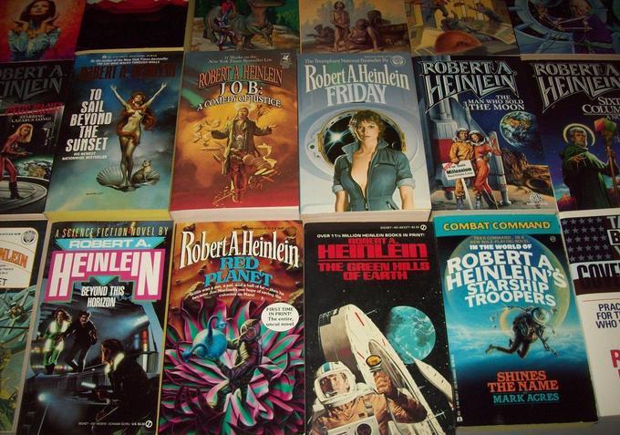 Robert A. Heinlein paperbacks 3-small