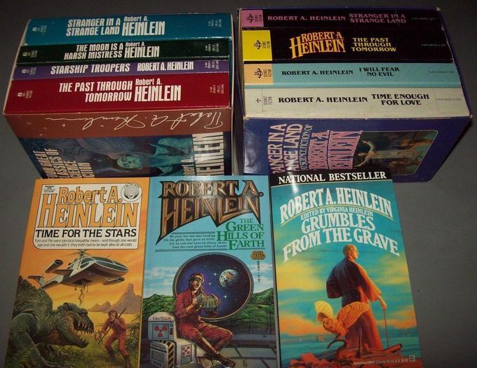 Robert A. Heinlein paperbacks 7-small