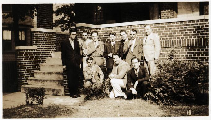 weisinger home 1937 07 - top l to r Williamson de Camp Clark Long Weisinger Hamilton Kline bottom l to r Binder Wellman Schwartz-small
