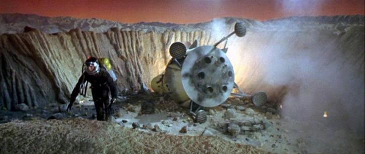 Robinson-Crusoe-on-Mars the crash-small