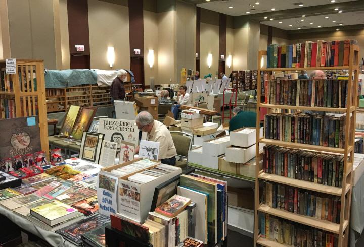 Books vendors at Windy City Pulp 2016-small