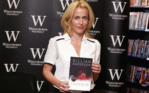 Gillian-Anderson_3069587b