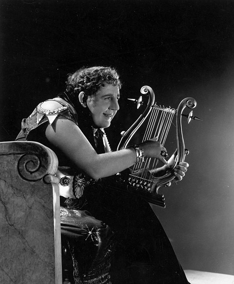 1932 --- Charles Laughton as Roman Emperor Nero in motion picture, 1932. --- Image by © Bettmann/CORBIS