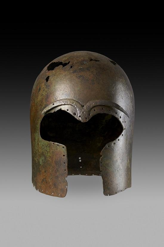 9. Greek Helmet. Lent by Museo archeologico regionale di Camarina -®-áAshmolean Museum, University of Oxford