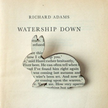 book-brooch-watership-down-3