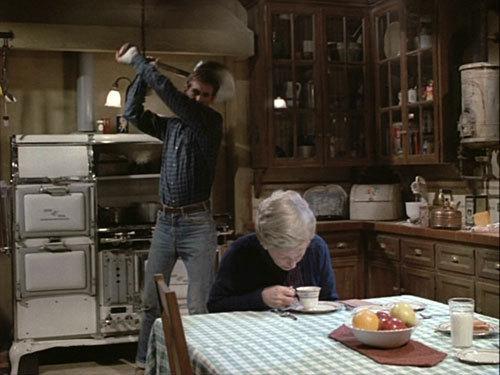 Norman-Bates-and-Emma-Spool