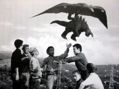 Ghidorah-three-headed-monster-behind-the-scenes