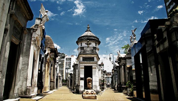 La Recoleta Cemetery 1-small