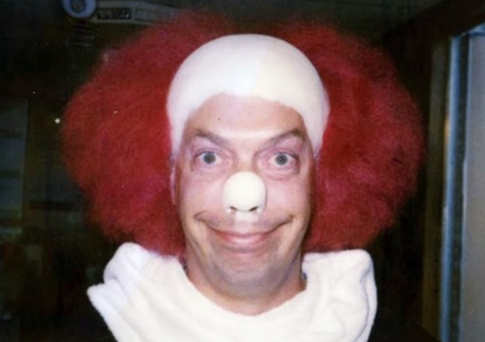 Tim Curry as Pennywise-small