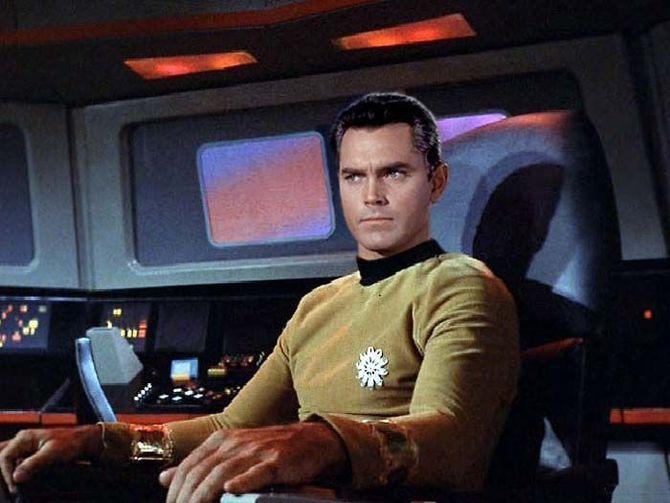 Star Trek Captain Pike-small