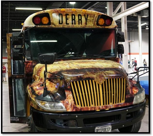 Wizard World Comic Con Chicago 2017 Derry Bus IT