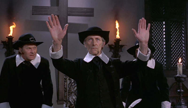 Peter-Cushing-Twins-of-Evil