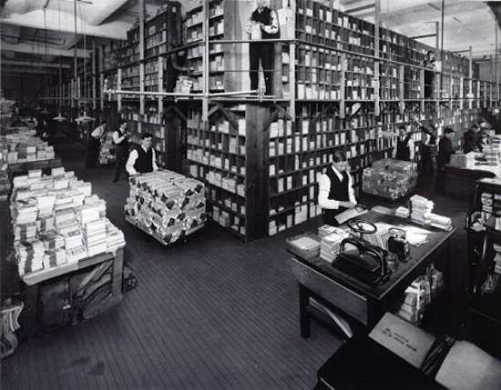 Street_&_Smith_book_department_in_1906