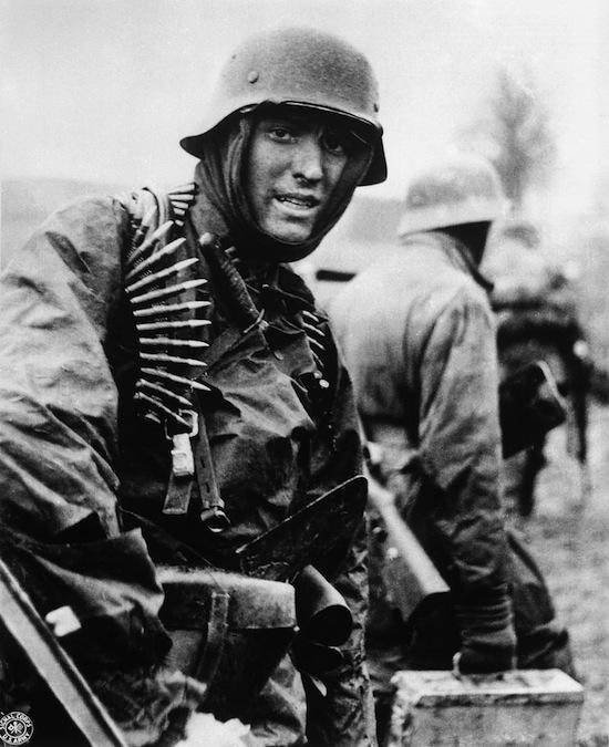 German_soldier_Ardennes_1944.jpeg