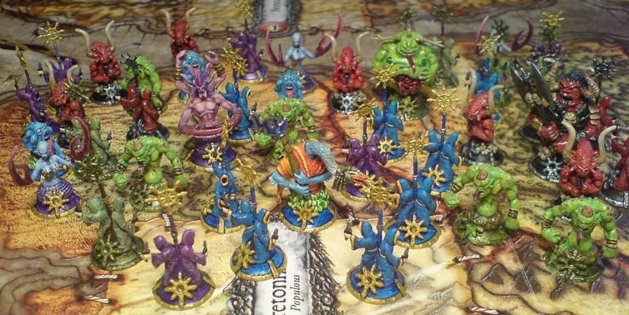 Chaos in the Old World board pieces-small