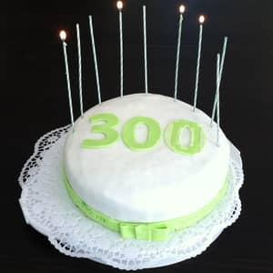 Ryan Harvey's 300th blog post cake-small
