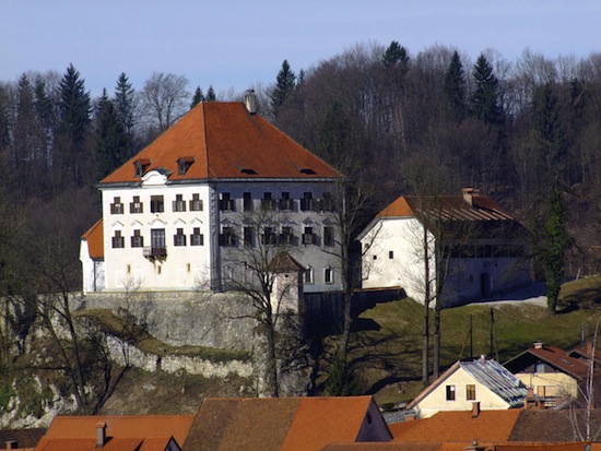 Zaprice_castle_east