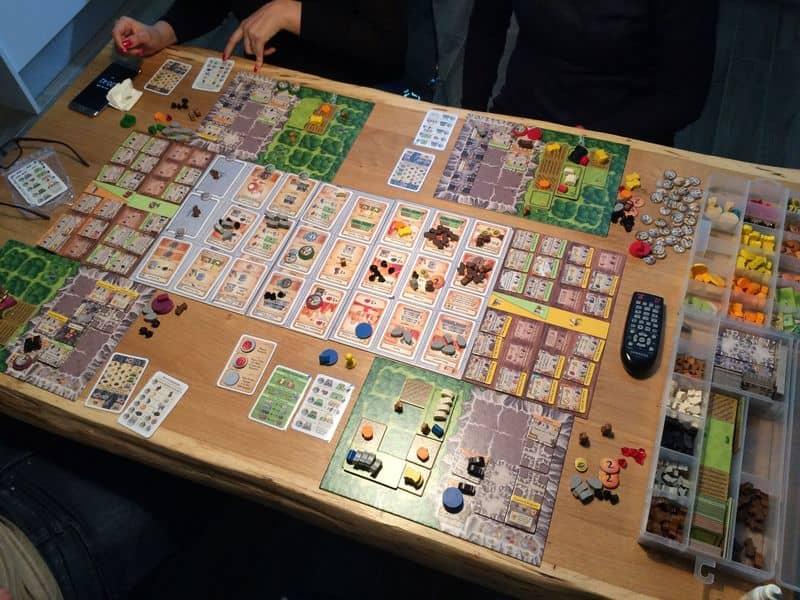 Caverna game-small