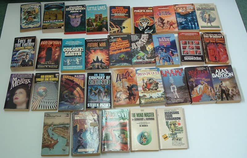 Collection of 32 vintage science fiction paperbacks-small