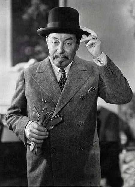 (10) Warner Oland as Charlie Chan-small
