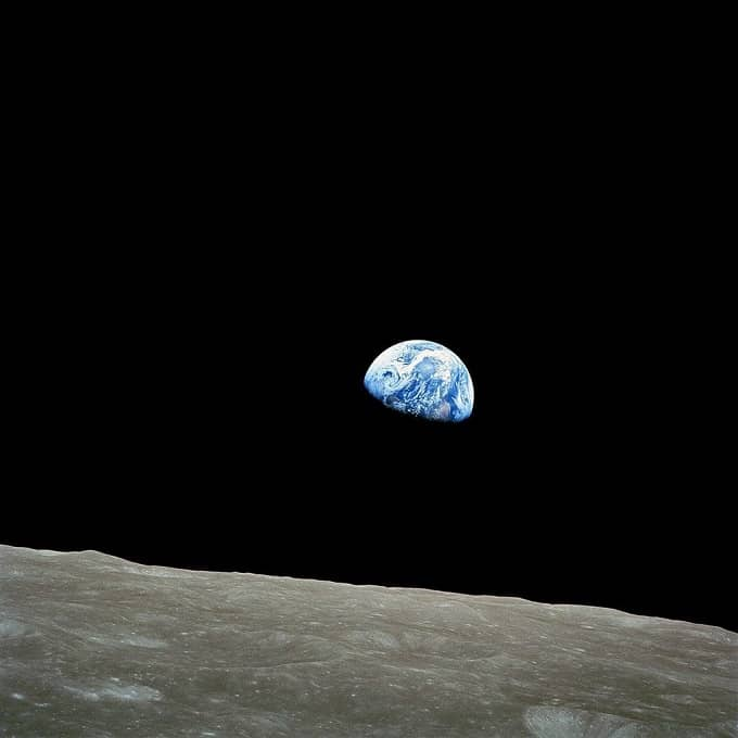 (3) Apollo 8 Earthrise-small