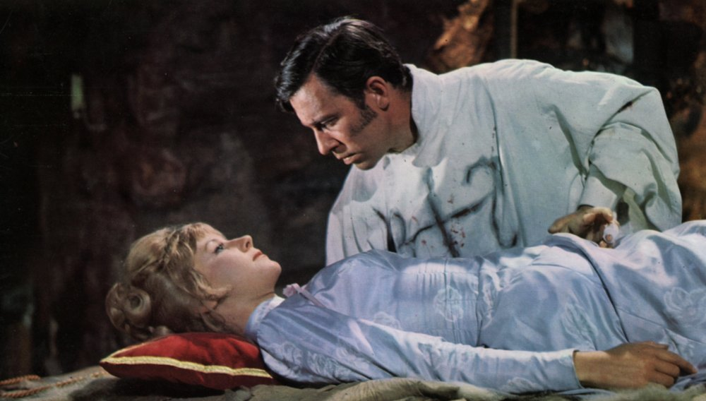 plague-of-the-zombies-1966-John-Carson-Diane-Clare