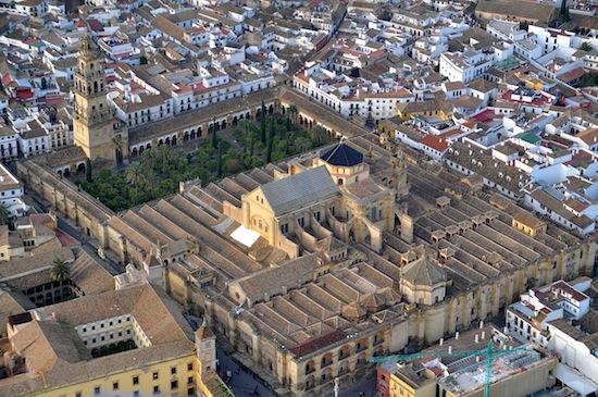 1280px-Mezquita_de_Córdoba_desde_el_aire_(Córdoba,_España)