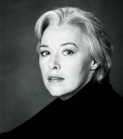 (4) Susanna Clarke