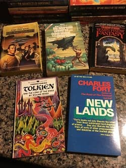 Lot of 40 Science Fiction Paperbacks $30 3-small