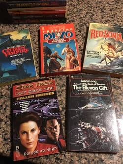 Lot of 40 Science Fiction Paperbacks $30 5-small