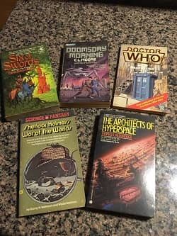 Lot of 40 Science Fiction Paperbacks $30 8-small