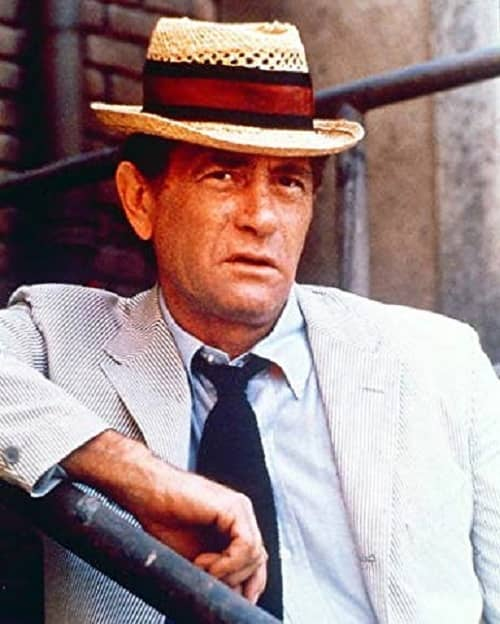 (4) Darren McGavin as Carl Kolchak-small