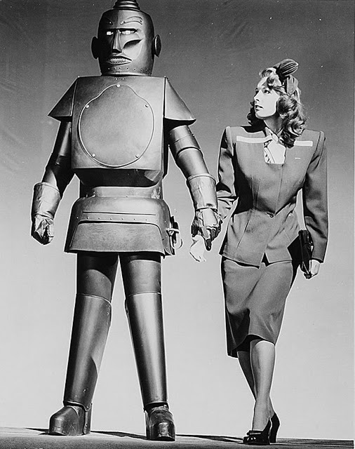 The Monster and the Ape promotional still with Babs