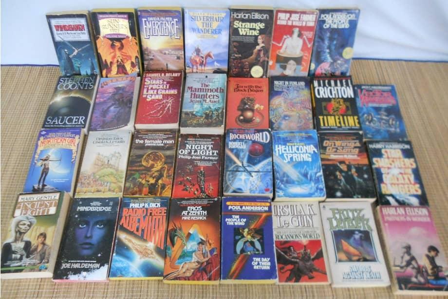 Lot of 31 Si-Fi Fantasy Novels Paperbacks $19.95-small